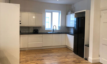 Kitchen in shared house Weston Super Mare to let